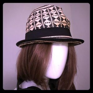 Accessories - Black and cream straw Fedora
